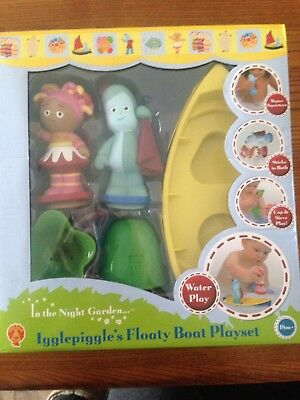 In the Night Garden Igglepiggle & Upsdaisy Floaty Boat Playset