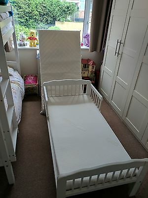 Toddler Bed With 2 Mattresses O GBP3000