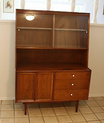 Mid Century 1959 Drexel Kipp Stewart Declaration Walnut Hutch Display w Lighting