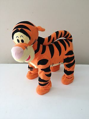 Fisher-Price - Winnie the Pooh's- Pounce & Bounce Tigger -C how it works b4 buyN