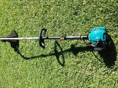 Makita RST210 Petrol Edge Line String Trimmer -whipper snipper -great condition