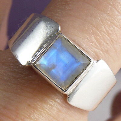 Contemporary BOW Size US 7 (O) UNISEX Ring Solid 925 Sterling Silver + MOONSTONE