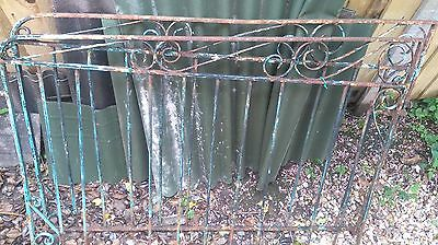 Old metal gate ( 2 pieces) . Refurbishement project