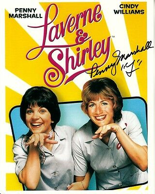 PENNY MARSHALL signed LAVERNE & SHIRLEY 8x10 lifetime coa CINDY WILLIAMS funny
