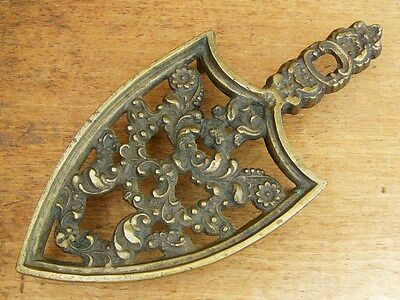 ANTIQUE Early Victorian 19th C HEAVY BRASS FLOWERS Shield Form TRIVET Tall Legs