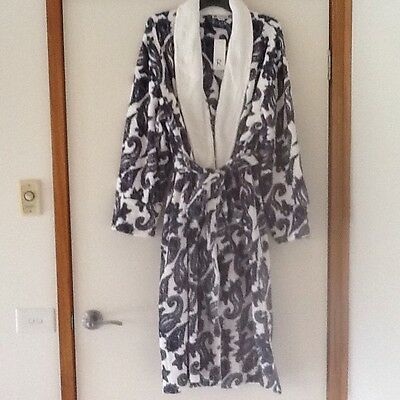 Ladies Rockmans Dressing Gown Size L/XL Brand New With Tags