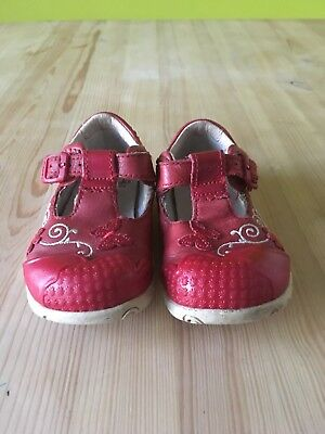 Clarks shoes for baby girl. Size 5G