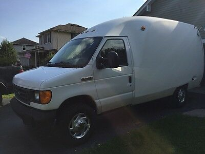 2006 Ford E-Series Van XL Super Duty 2006 Ford E-350 with Unicell body good condition highway miles