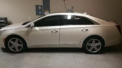 2013 Cadillac XTS  2013 Cadillac XTS AWD Premium New Tires and Wheels Excellent Condition