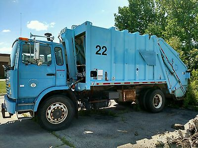 1997 Mack Ms300P Rear Load Trash Garbage Truck
