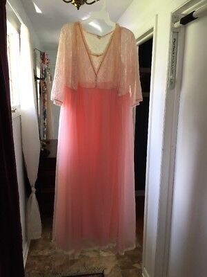 Vtg Gaymode Peaches & Cream Lingerie Gown Robe Large Lace Chiffon Gorgeous Sissy