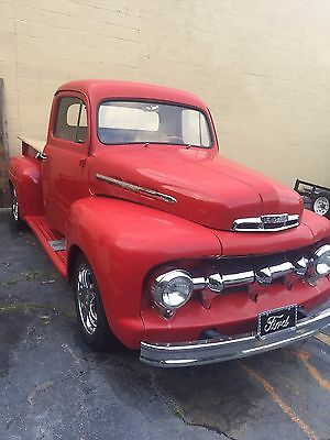 1952 Ford F-100  1952 Ford Pickup