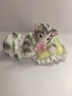 Enesco Calico Kittens- I'm Ready For My Beauty Rest- 2002