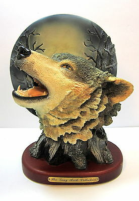 Howling Wolf Figurine Gray Rock Collection
