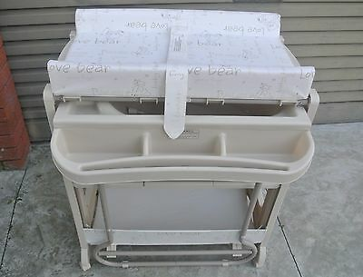 Childcare Changing Table with Pull Out Bath Tub (Good Condition)