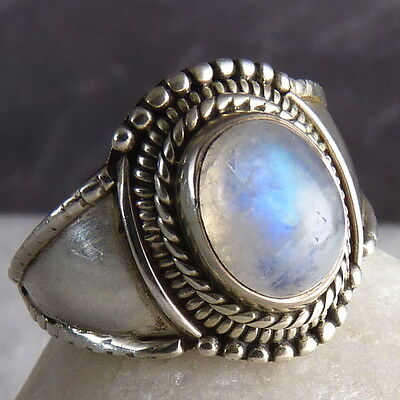 Vintage GEM MEDALLION Size US 6.75 SilverSari Ring Solid 925 Silver + MOONSTONE