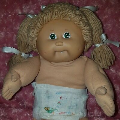 Vintage Cabbage Patch Kid Doll ☆ Girl, Tan Poodle, Green eyes, Tooth, 1985 ☆ EC