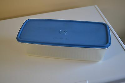 TUPPERWARE EASY CRISP LARGE CONTAINER CELERY VEG KEEPER No 782 BLUE