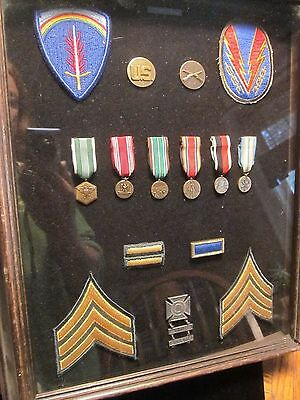 Framed WWII Army Medals, Pins, Patches ARMY OF OCCUPATION Rifle & Carbine Medal