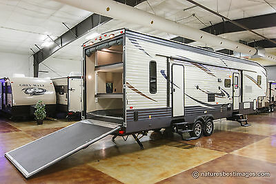 New 2018 Unleashed 373QSI Slide Out 5th Fifth Wheel Toy Hauler with Power Bunks