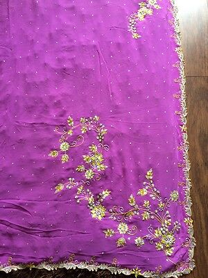 Lavender/green Saeee With Silver/green Embrodiery. Side Split Design. Blouse M