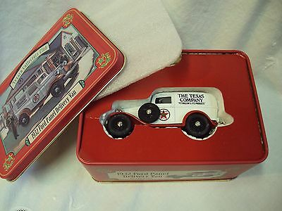 TEXACO Collector's Club 1932 FORD PANEL DELIVERY VAN Die Cast Metal ERTL w/ TIN
