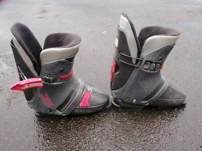 snow ski boots unisex , great for beginners simple, comfy, cheap  No Reserve