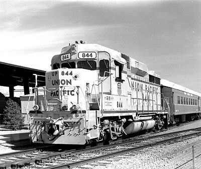 Original 2 1/4 x 2 3/4 B&W Negative ~ Union Pacific #844  GP30