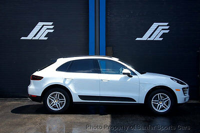 2017 Porsche Macan AWD 2017 Porsche Macan Porsche Connect Bose Radio Rear Camera Financing Available