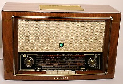 Philips Capella 643 3D  Röhrenradio tube Radio 3 d 5010