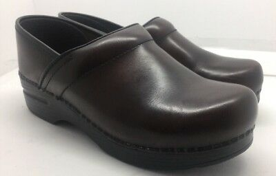 Dansko Smooth Brown Leather Professional Stapled Clogs Women's Size 39