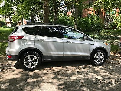2016 Ford Escape SE Sport Utility 4-Door 2016 Ford Escape SE Sport Utility 4-Door - Excellent Condition! Must Sell