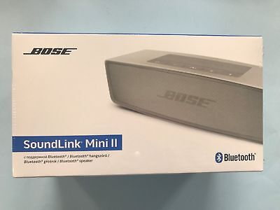 Bose Soundlink Mini II 2 Portable Bluetooth Speaker Pearl Silver + charger base