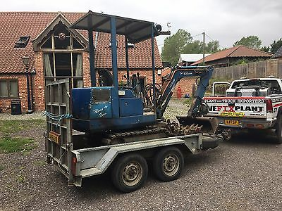Mini Digger On Trailer 1.5 ton Buckets Piped Hammer READY FOR WORK immobiliser