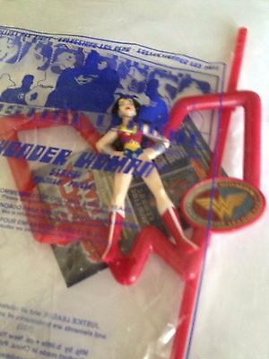 WONDER WOMAN Justice League Figurine Straw Holder and Drinking Straw 2002 Subway