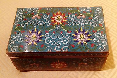 Very Fine Large 20th Century Chinese Blue Cloisonne Box Chrysanthemum Design