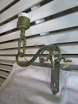 Regal Antique Fancy Brass Wall Sconce with French Styling for Restoration