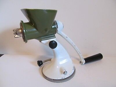 Vintage Spong & Co. Metal Meat Pepper Coffee Spice Mill Grinder Basildon Essex