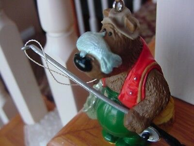1997 HALLMARK CHRISTMAS ORNAMENT Catch of the DAY FISHERMAN Brown Bear FISH wBX