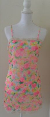 Vintage 1960s 60s Pink Floral Short Mini Full Slip Lord and Taylor Trillium 34