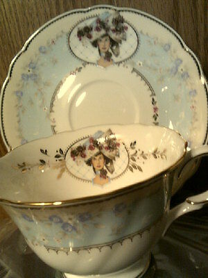 RHTF AVON 1998 Honor Society Mrs Albee Cup & Saucer with wood display-New in Box