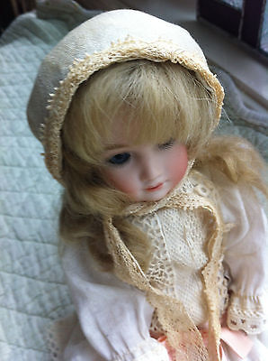 Tiny vintage doll bonnet- light blue with lace