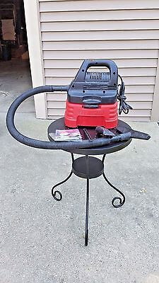 2 Gallon Craftsman Wet / Dry Vac With Attachments For Home or Car Garage Use