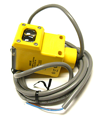 New Banner 53994 Photoelectric Switch Q453E