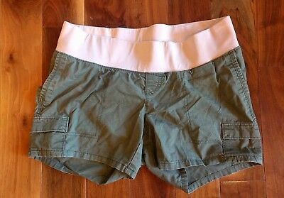 Old Navy Maternity Green Shorts - Size 6
