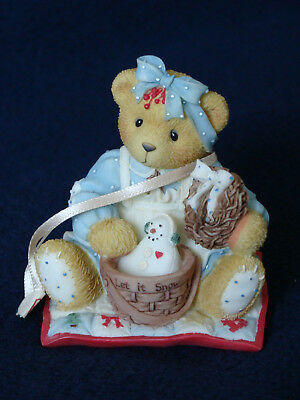 Cherished Teddies - Suzanne - Girl On Quilt With Wreath And Present - 533785