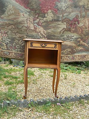 Pretty French Carved Cherry Wood Bedside Lamp Table Stand  Dw/176/jl