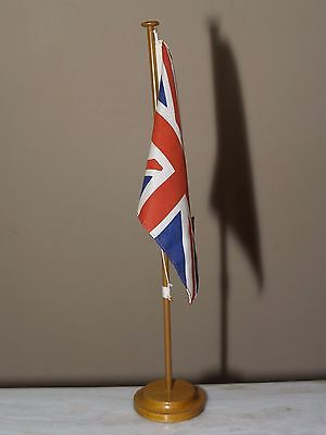Great Britain Table Flag 22.5 x 15 cm w/Wooden Base by Kokonis Athens