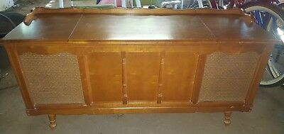 Zenith Vintage 1968 Stereo Record Player Console Model Y924 *LOCAL PICK UP*