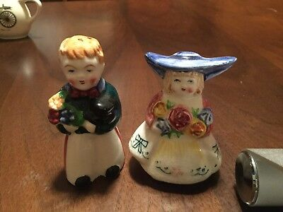 Vintage Boy & Girl With Flowers 🌺 Salt and Pepper Shakers Made In Japan